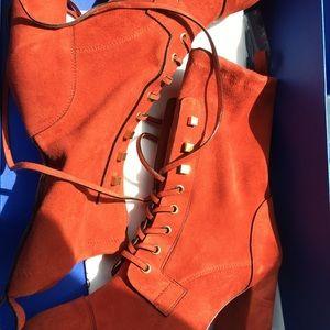 NWT Stuart Weitzman Lace Up Boots